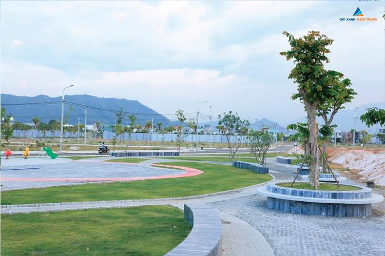 Hình ảnh thực tế khuôn viên đã được xây dựng đồng bộ