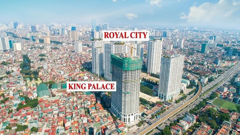King Palace nằm ở số 108 Nguyễn Trãi, ngay cạnh Royal City